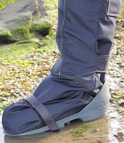 OUTCAST Adult Outdoor Foot Weather Protector Small